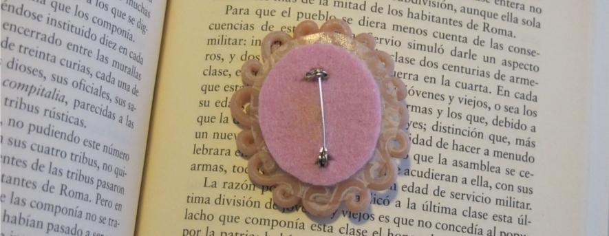Back brooch